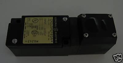 General Electric Photoelectric Sensor CR315PEF01A