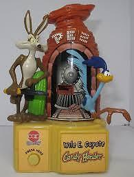 1999 WARNER BROTHERS  WILE E. COYOTE MOTORIZED PEZ DISPENSER