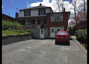 31 Amherst Dr-MAY 1 Student House Walking Distances to Conestoga