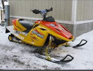 Looking for skidoo rev  Stratford Kitchener Area image 1