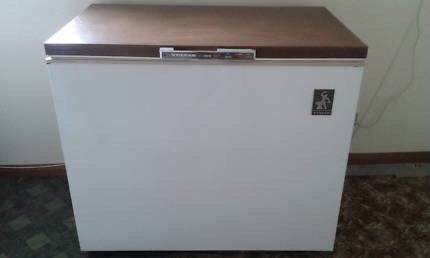 Vulcan 300 litre chest freezer with baskets.CAN DELIVER