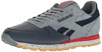 0974ad2d9fa907 Concentrate on your run in Reebok comfort with these classic Reebok kicks.  A cushioned and supportive design means your feet will feel good while they  fly