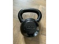 16KG KETTLEBELL CAST IRON BLACK - NO TEXTS OR OFFERS