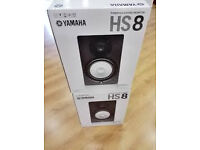 YAMAHA HS8 Monitoring speakers with interface only used for 5 hours like new
