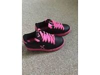 Girls heelys black and pink size 2