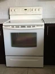 Wide assortment of used STOVES and Ovens for sale  / Poêles et FOURS usagés à vendre - GE FRIGIDAIRE samsung LG Amana