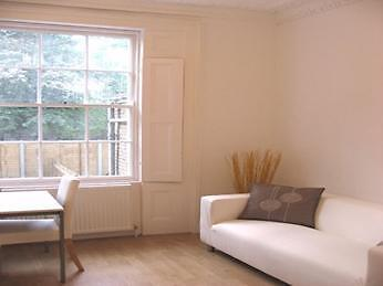 Lovely, Modern 3 double bedroom flat- Oval