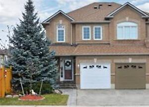 W4382883  -Amenities Abound Near This 4 Bed & 2 1/2 Bath Semi,