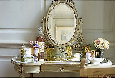 tips to decorating your vanity buying vintage decor online ebay - Vintage Decor