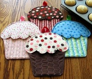 Susie-Shore-Hot-Cakes-Oven-Mitts-Cupcakes-Pattern