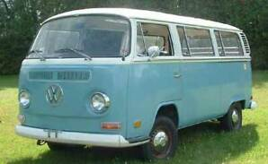 1972 VW deluxe sunroof bus