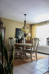 Stunning 2 bedroom apartment for rent in Old South! London Ontario image 2