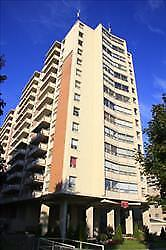 GREAT 1 bedroom apartment for rent minutes to the University!