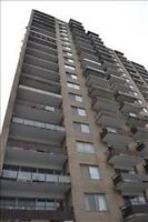 4530 Cote des Neiges, Bachelor / Studio