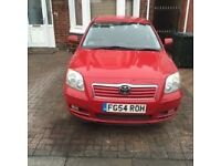 SELLING TOYOTA AVENSIS 1.8 SALOON RED