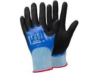 60 PAIRS OF BRAND NEW WATERPROOF BUILDERS GLOVES SIZE 9, FULLY NITRILE COATED FOR GREAT GRIP