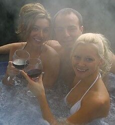 """HOT TUB RENTALS!!""  $250 A WEEK OR $475 A MONTH"