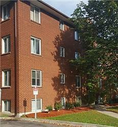 Grove and St Vincent: 170 Grove Street East, 2BR