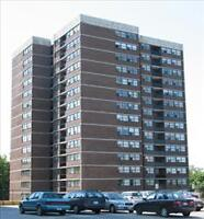 Rare Opportunity!! 1 Bdm. at Brookbanks in North York!!