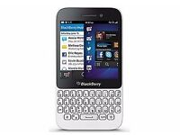BLACKBERRY Q5 white, unlocked, fully boxed