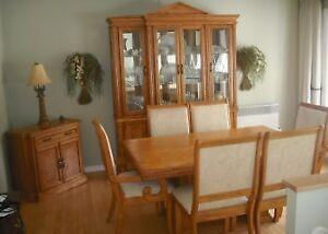 Set complet de salle à dîner en chêne