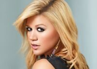 4 TICKETS TO KELLY CLARKSON
