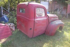 1946 ford truck in pieces ready to assemble