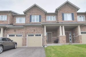 New Town House finish basement in North Oshawa for lease $1850