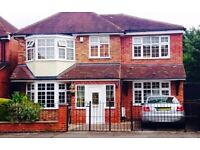 Spacious modernised detached family home 4 bedrooms in Leicester