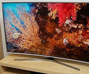 "Like new Samsung 48 "" 1080 p LED SMART TV"