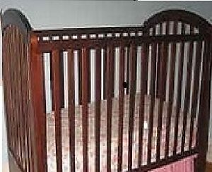 STORKCRAFT® Royal Classic Sleigh*Solid Oak*Baby Crib+WOW Deal! London Ontario image 3