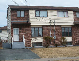 SPACIOUS HOME IN DARTMOUTH FOR RENT