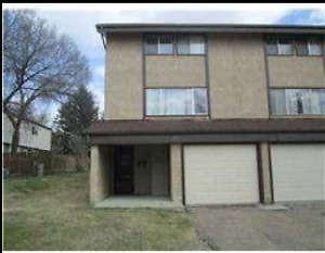 1 or 2 bedrooms available in St Albert