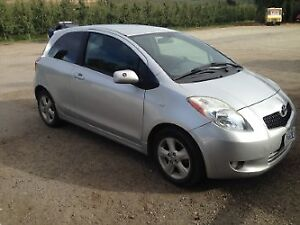 2007 Toyota Yaris 2dr le Coupe (2 door)