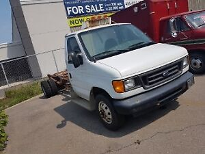 2005 Ford F-450 Coupe (2 door) cab/chassis