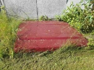 Red LEER 700 Tonneau Cover