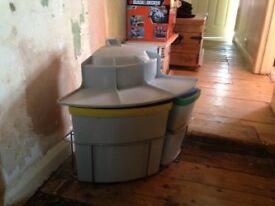 Integrated bin for kitchen cupboard unused