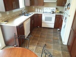 2bdr and 1 bath available IMMEDIATELY
