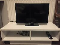 Hitachi 24 Inch Smart HD Ready TV (Mint condition)