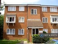 1 bedroom flat in Millhaven Close, Chadwell Heath, RM6 (1 bed)