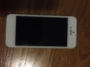 iphone 5 16 gb with bell or virgin