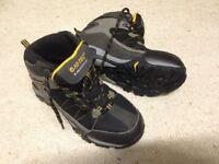 Boys hi-tec waterproof boots size 4