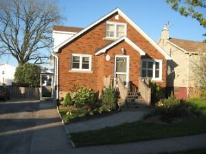 ***5 BEDROOM STUDENT HOUSE FOR RENT MINUTES TO BROCK***