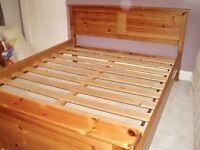 Solid oak kingsize bed, fantastic condition