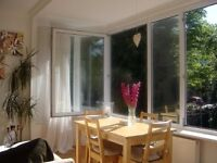 Westbourne 3 double bedroom, 3 bathroom flat, large balcony for rent, close to the beach