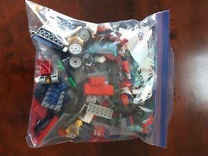 Random Lego s for sell/ Pieces de Lego a vendre