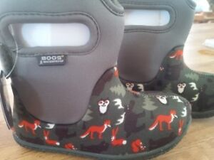 Toddler BOGS -  NEW with Tags