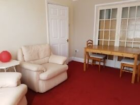 Professional people for Double rooms for single occupancy 35+ in friendly shared house Bosc East