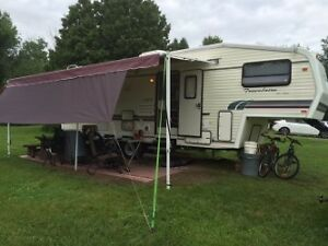Caravan a sellette(fifth wheel)4950$ echange vus