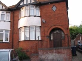 3 double rooms in newly refurbished house high wycombe
